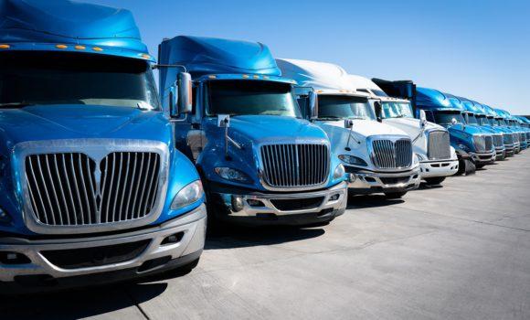 Czym się różni transport od spedycji?